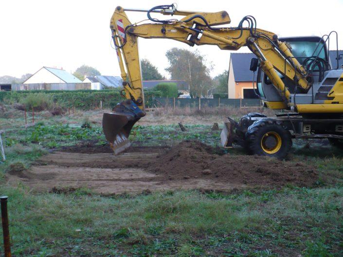 Terrassement et fondations à la pelle mécanique à Bouvron