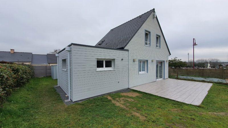 Extension ossature bois en toit terrasse, étanchéité réalisée avec membrane EPDM et couvertine en aluminium à Fay de Bretagne (44)